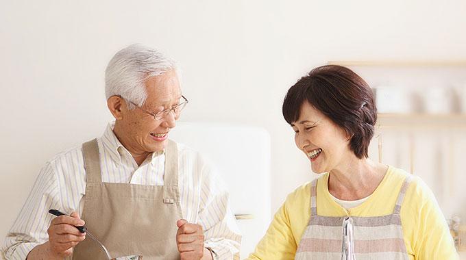 70多岁,金婚夫妇,人口众多的大家庭